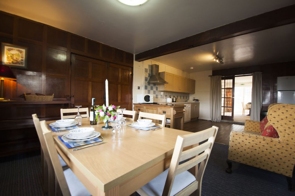 Dining-room-polmark-cottages