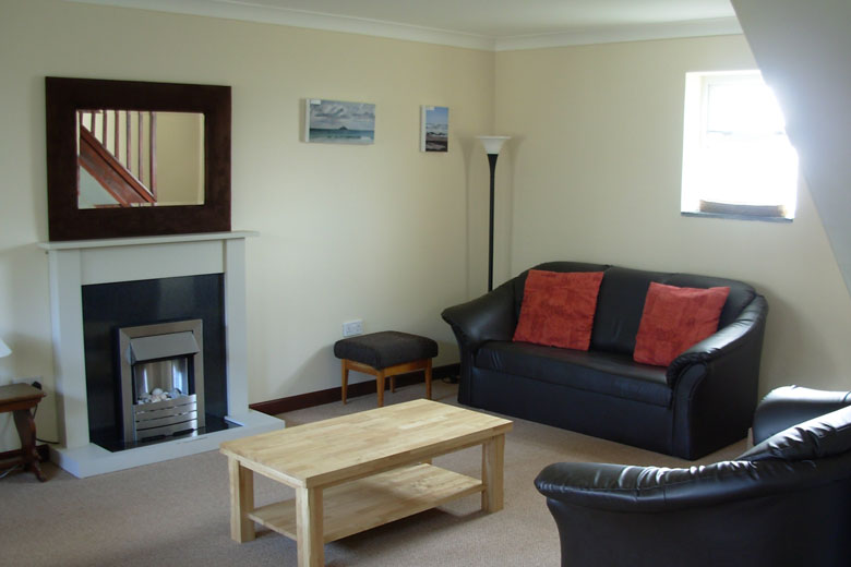 Living-room-harlyn-holiday-home