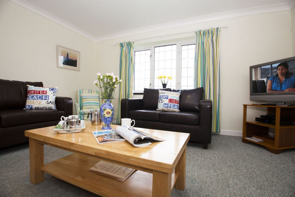 living-room-harlyn-cottage