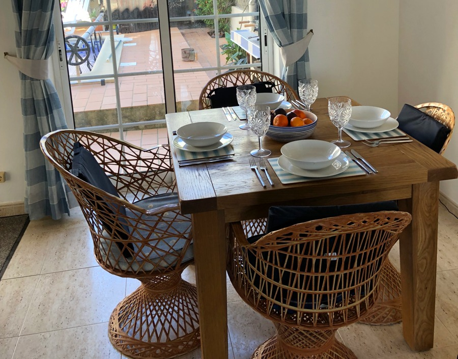 Casa-Leffe-Villa-Dining